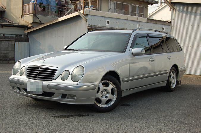 メルセデス・ベンツ Eクラス(W210)にお乗りのお客様です。